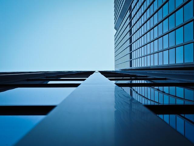moderná sklená fasáda.jpg
