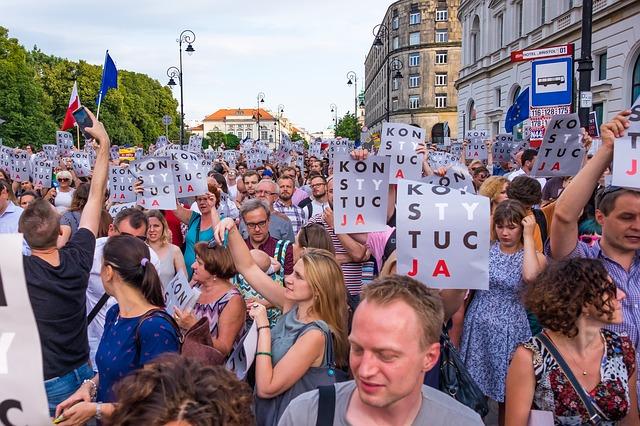 Demonštrácie proti opatreniam vlády.jpg