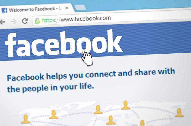 Facebook, úvodná obrazovka.png