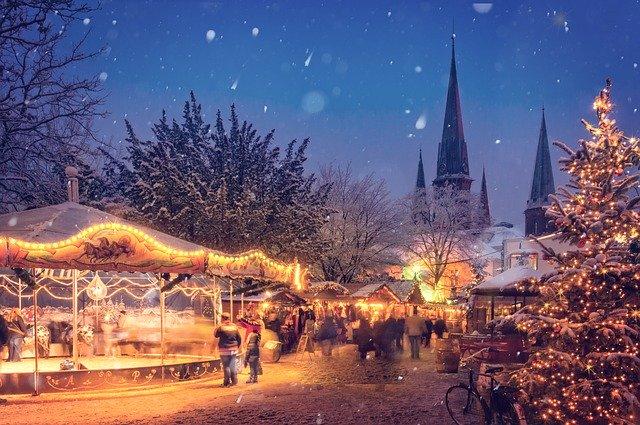vianočné trhy v meste.jpg
